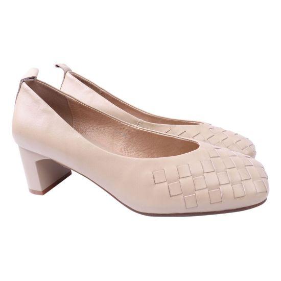 Туфлі жіночі з натуральної шкіри, на низькому каблуці, бежеві, Berkonty