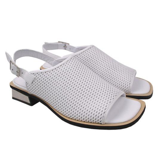 Босоніжки на низькому ходу жіночі Aquamarin натуральна шкіра, колір білий
