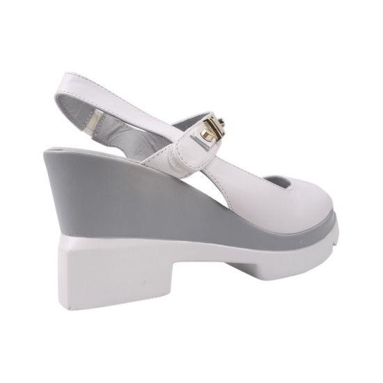 Босоніжки на платформі жіночі Molly Bessa натуральна шкіра, колір білий