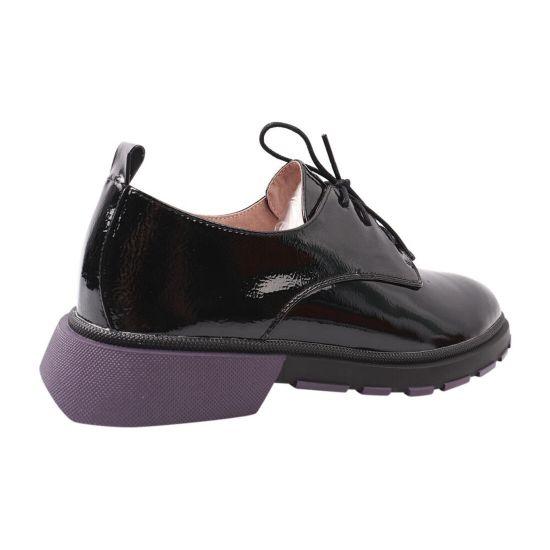 Туфлі жіночі з натуральної лакової шкіри, на низькому ходу, колір чорний, Geronea