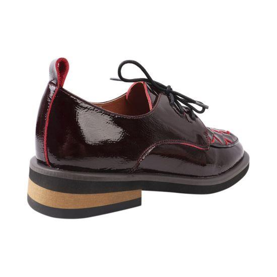 Туфлі жіночі з натуральної лакової шкіри, на низькому ходу, на шнурівці, бордові, Brocoly