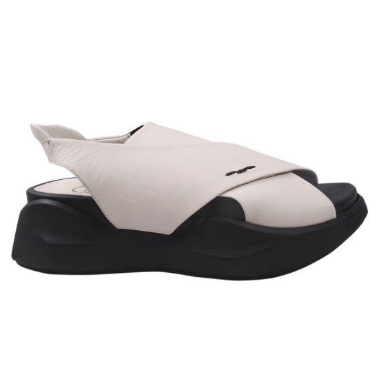 Босоніжки на платформі жіночі Aquamarin натуральна шкіра, колір білий